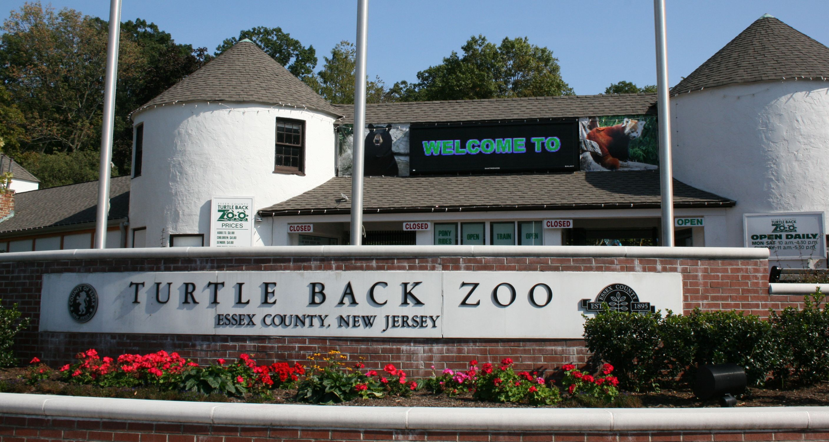 West Orange New Jersey Turtle Back Zoo entrance compressed