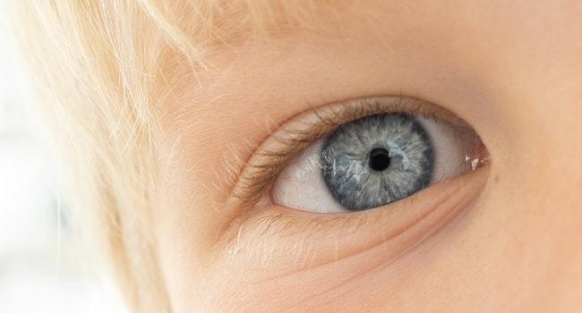 beautiful-beautiful-eyes-close-up-22279641
