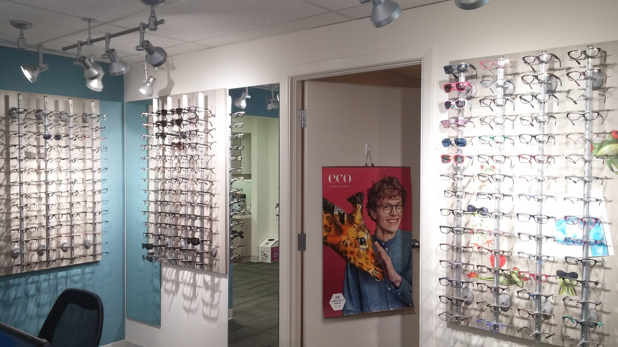 brooklin_vision_care_optical_wall_eco