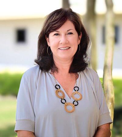 Dr. Beth W. Eckard 400