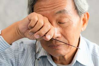 Dry Eye Asian Man 640×350 1.jpg