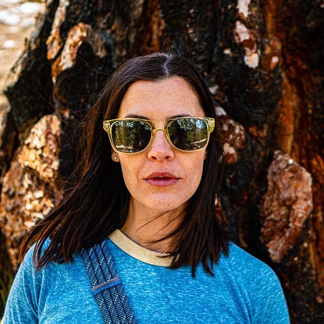 woman-sunglasses-tree_640